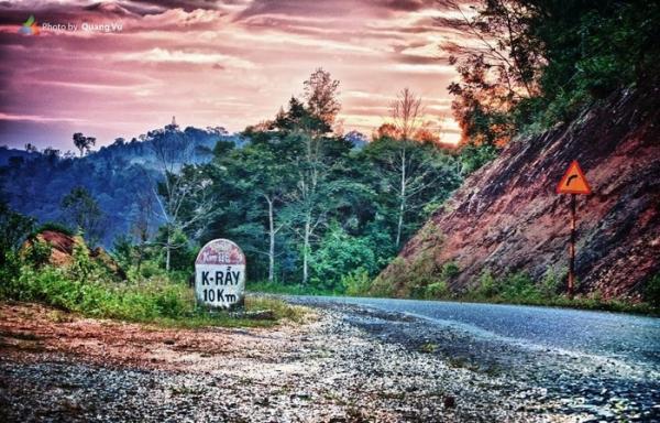 Đường đến Măng Đen. (Nguồn: Quang Vũ)
