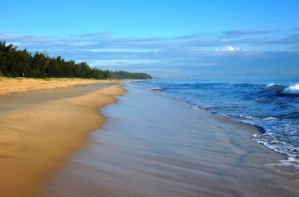 Bãi biển Bảo Ninh ở Quảng Bình. (Nguồn: tadiha.com)