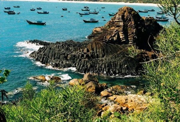 Ghềnh Đãi Đá - danh thắng độc đáo của duyên hải miền Trung. (Nguồn: Huỳnh Lê Viễn Duy)