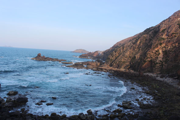 Cảnh sắc thiên nhiên tuyệt đẹp của Eo Gió.