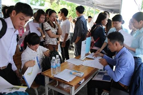 Trung tâm Giới thiệu việc làm KCN chính thức sáp nhập vào Trung tâm Dịch vụ việc làm TP. Đà Nẵng trực thuộc Sở LĐ-TB&XH