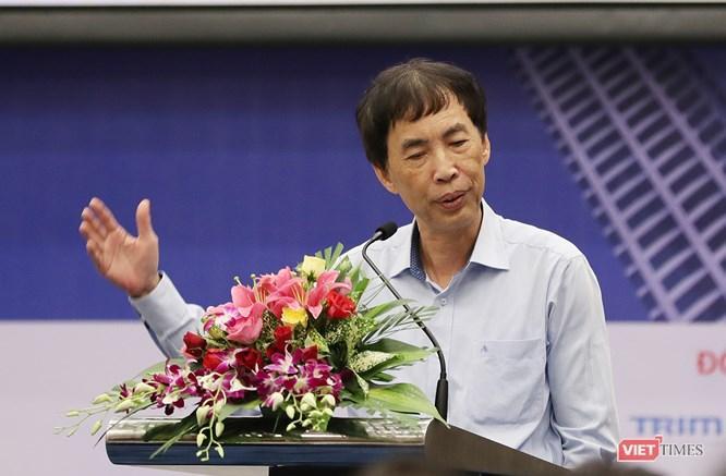 Theo Tiến sĩ Võ Trí Thành: đã đến lúc cần suy nghĩ xu hướng BĐS của Đà Nẵng và khu vực miền Trung là gì? Và đâu là nhân tố tiên quyết đối với sản phẩm BĐS tại đây.