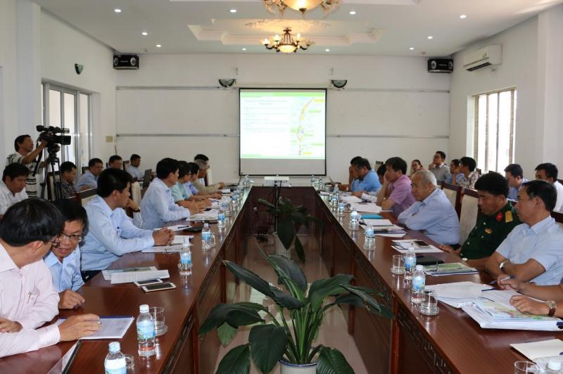 Tại cuộc họp, Bộ GTVT và tỉnh Khánh Hòa đã thống nhất hướng, tuyến đường sắt tốc độ cao đoạn đi qua địa bàn