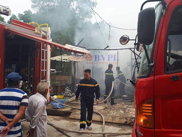 Lực lượng PCCC nhanh chóng dập lửa
