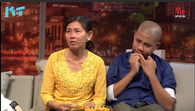 Mẹ con chị Ánh Hồng trong chương trình.