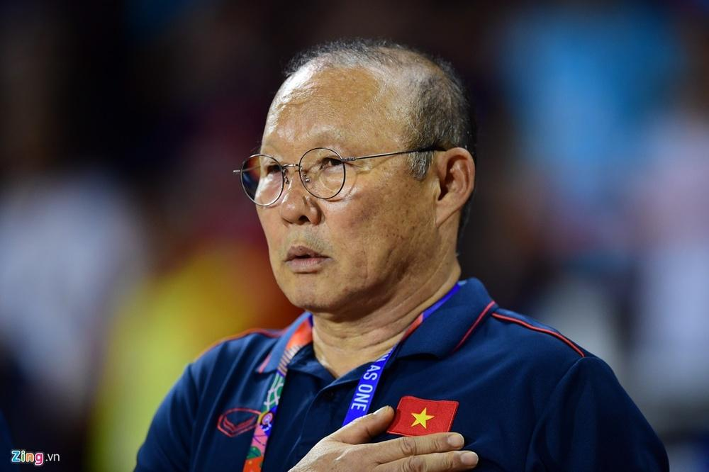 Với trận đấu hôm qua, chúng ta lại tiếp tục cảm ơn huấn luyên viên Park và các cầu thủ của tuyển Việt Nam. (Ảnh: Zing)