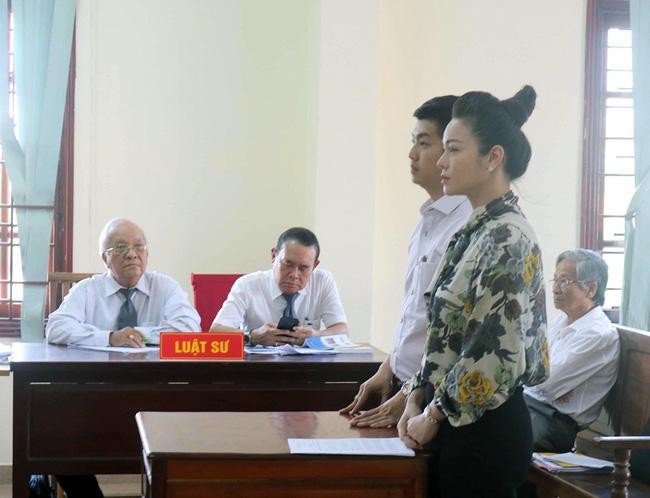 Nhật Kim Anh và chồng cũ tại phiên sơ thẩm giành quyền nuôi con
