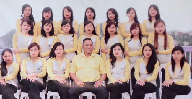 Các con gái của ông Ziona.