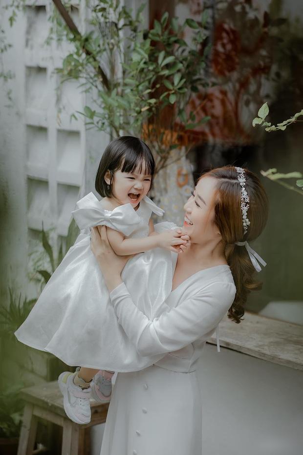 Dù lỡ có gặp khó khăn, Bảo Ngọc khẳng định sẽ kiếm thêm công việc để nuôi 2 con