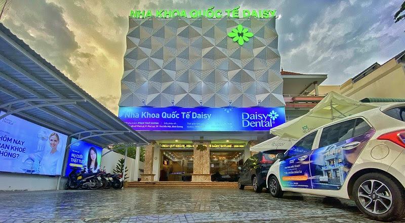 Nha khoa Quốc tế Daisy tọa lạc tại số 65 - 67 Phú Lợi, Tp.Thủ Dầu Một, Bình Dương.
