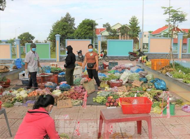 Một điểm chợ ngoài trợi ở phường Mỹ Phước, TX Bến Cát