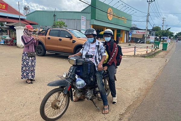 Chiếc xe máy 2 anh em được người dân tặng.