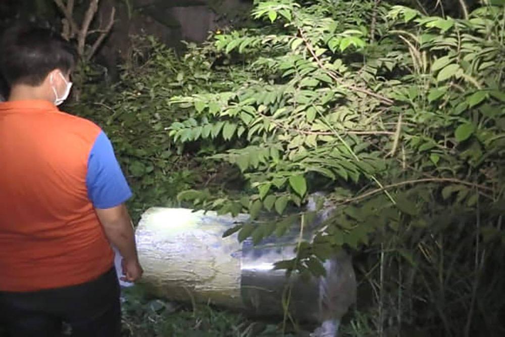 Khối bê tông trong thùng nhựa chứa thi thể người thứ 2 được phát hiện
