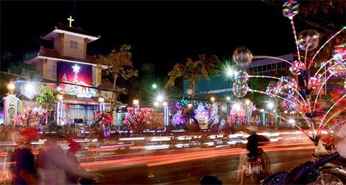Giáo xứ Thanh Hải, cùng các khu phố giáo dân luôn rực rỡ sắc màu
