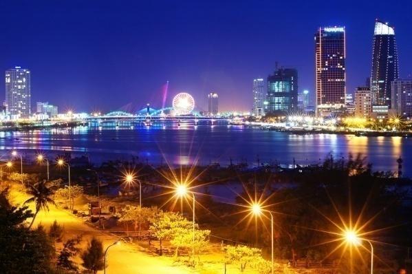 Đà Nẵng là trung tâm thương mại và du lịch của miền Trung. Ảnh: Tăng Trung Kiên