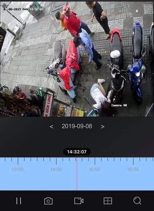 Camera ghi lại vụ việc.