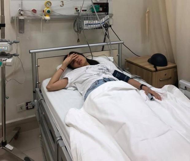 Diễn viên Kim Nhã điều trị tại bệnh viện. (Ảnh: Helino)