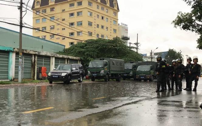 Lực lượng chức năng phong tỏa trụ sở công ty Alibaba..