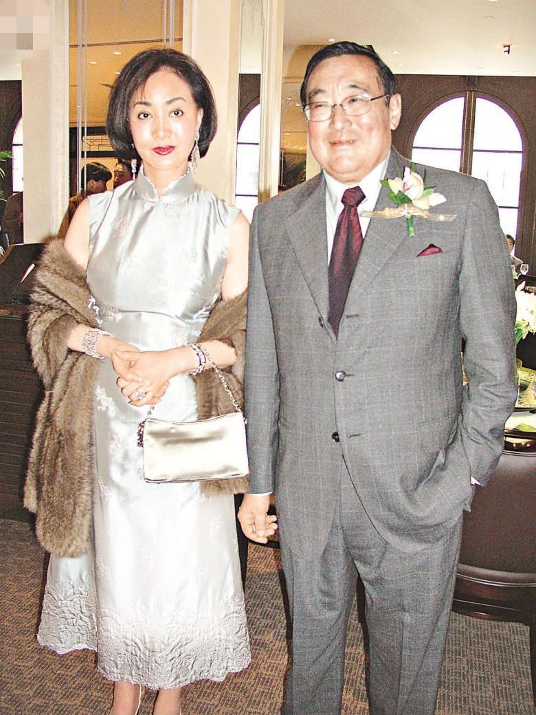 Đôi vợ chồng khi về già.