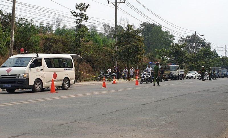 Hiện trường vụ tai nạn khiến 3 mẹ con chị Thu thương vong - Ảnh: Xuân An