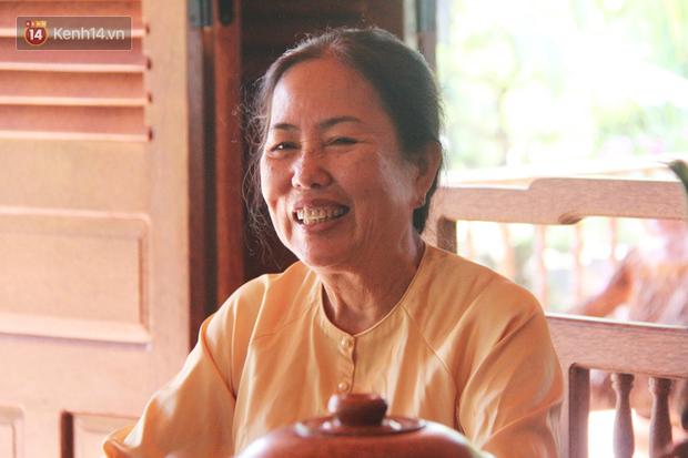 Bà Giác cho biết vì tình yêu với dừa, thực hiện ngôi nhà mơ ước dù gặp rất nhiều khó khăn nhưng không lúc nào bà nghĩ đến việc từ bỏ.