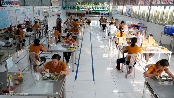Bữa trưa của công nhân