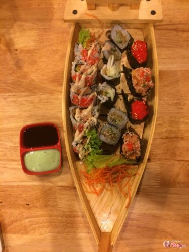 Lẩu thuyền- ảnh Foody.vn