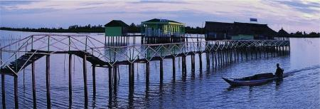 Một trong những địa điểm lý tưởng để du khách dừng chân và trải nghiệm qua đêm giữa mênh mông trời nước.