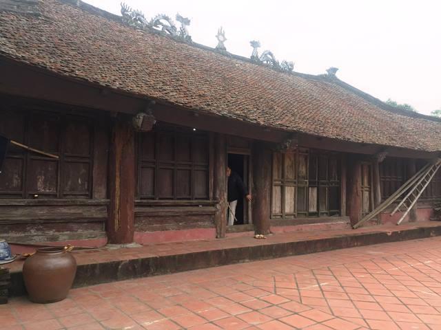 Đình Làng Quang Ốc hướng về phía làng Nội Rối.