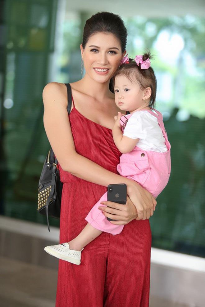 Vì gia đình có con nhỏ, Trang Trần thường xuyên phải tìm người giúp việc phù hợp.