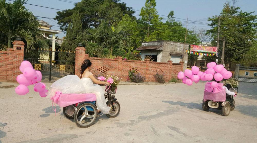 Xe đón dâu của cặp đôi