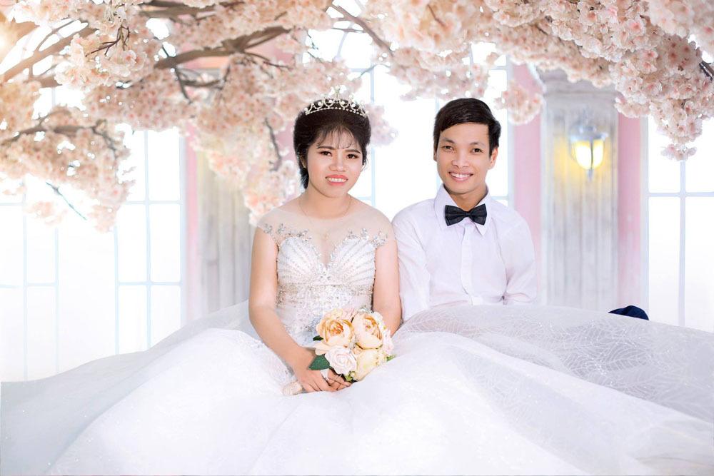 Cô dâu Thu Phượng bên chồng