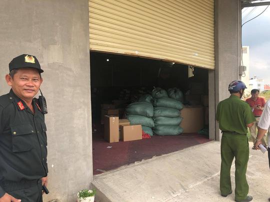 M a t úy được ngụy trang trong lô hạt nhựa đi Đài Loan (Trung Quốc)