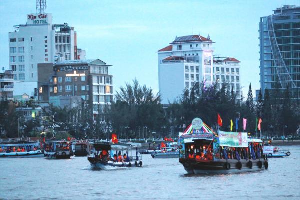 Ngày hội Du lịch Văn hóa CNCR là dịp để quảng bá nét VMĐT sông nước Cần Thơ. Ảnh: DUY KHÔI