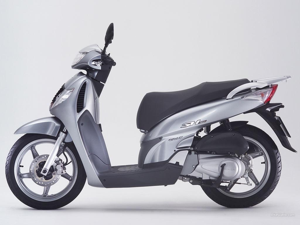Honda SH mang lại cảm giác về một chiếc xe tay ga cỡ lớn, sang trọng theo phong cách lịch lãm. Ảnh: Honda