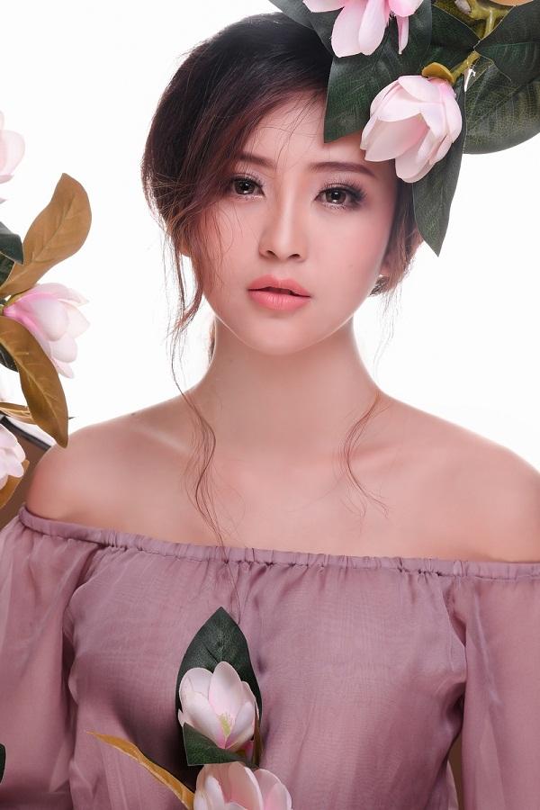Sau khi đoạt giải Hoa khôi Nam Bộ, Hải Yến nhận được khá nhiều lời mời tham gia showbiz tại Tp.HCM cũng như dự thi một số cuộc thi sắc đẹp khác nhưng cô không nhận lời.