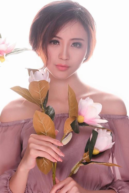 Trong bộ ảnh mới, Hải Yến khoe vẻ đẹp ngọt ngào, tươi mới tuổi 20.