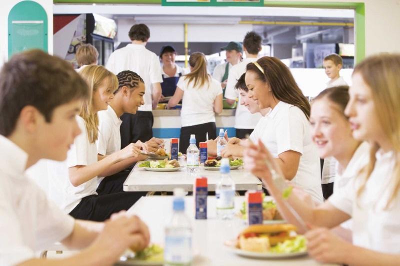 Ăn trưa cùng đồng nghiệp giúp nâng cao năng suất làm việc - Ảnh: Internet