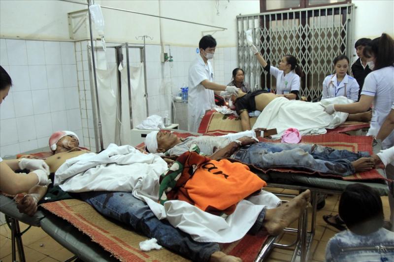 Các nạn nhân nhập viện trong tình trạng đa chấn thương ở đầu, người và tay chân rất nặng.