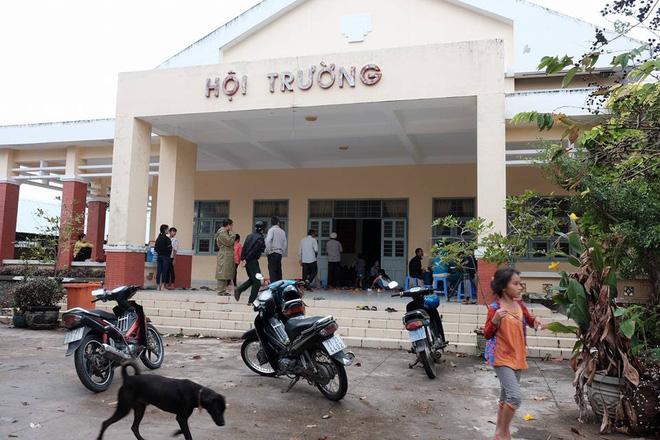 Khu vực hội trường được dọn dẹp làm điểm tránh bão cho người dân vùng ven