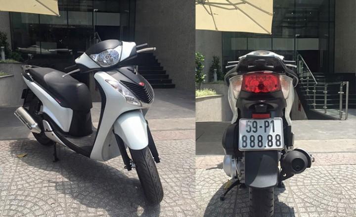 Chiếc Honda SH150i mang biển ngũ quý 8 siêu khủng, hiện có mức giá rao bán đắt nhất tại Việt Nam tính đến thời điểm hiện tại.