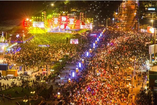 Quang cảnh Đại nhạc hội Tiger Remix tại Nha Trang vào cuối tuần qua.