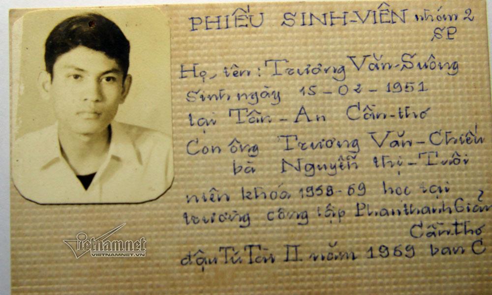 Đó là sinh viên Lê Vũ Hùng, từng làm tới thứ trưởng Bộ GD-ĐT (ông Hùng qua đời năm 2003 do bạo bệnh -PV), được ông Minh nhớ tới như một học trò ngoan và gần gũi.  Kể về cậu sinh viên năm xưa, ông Minh nói