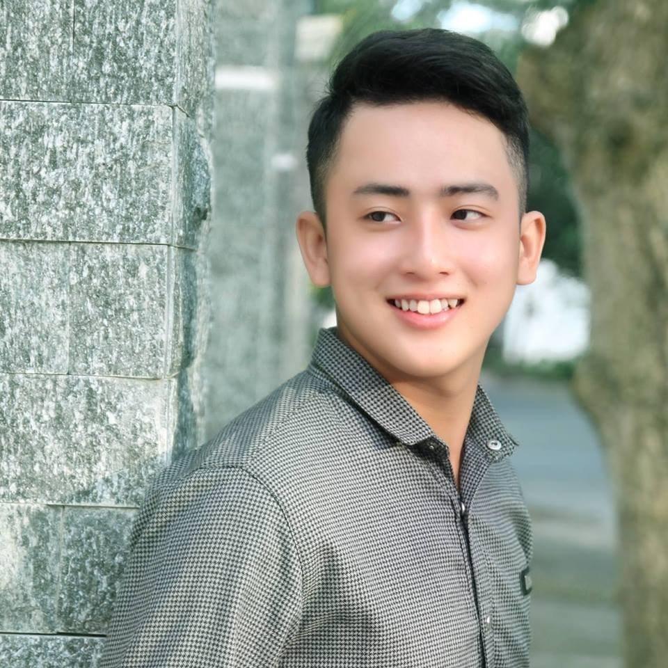Thái Vinh sinh ngày 13/12/1996 tại Cà Mau. Hiện anh là sinh viên ngành Y đa khoa, trường Đại học Y dược Cần Thơ. Ngoài vẻ điển trai, chàng trai thuộc chòm sao Nhân Mã này còn được hâm mộ bởi một số thành tích tốt trong các cuộc thi, các hoạt động xã hội.