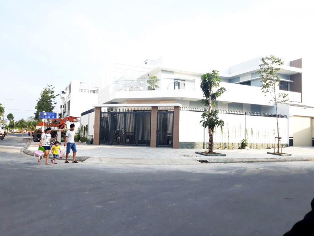 Khu nhà ở Hồng Phát Khu B với kết cấu hạ tầng đồng bộ, mật độ xây dựng và mật độ dân cư tăng nhanh.
