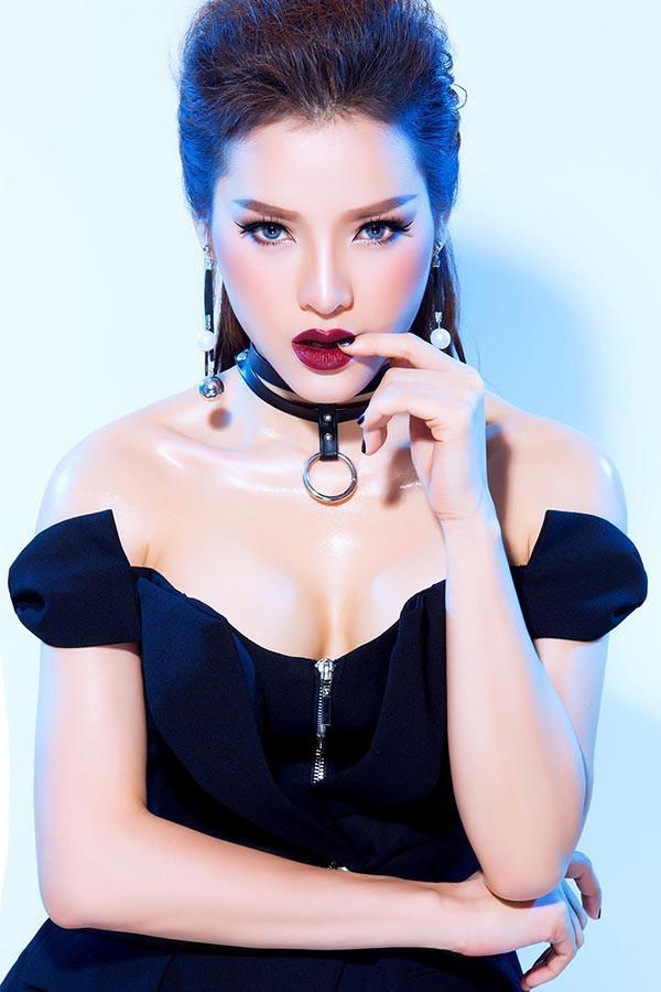 Phương Trinh Jolie hài lòng vì năm 2017 đã ra mắt được những ca khúc, vai diễn ưng ý.