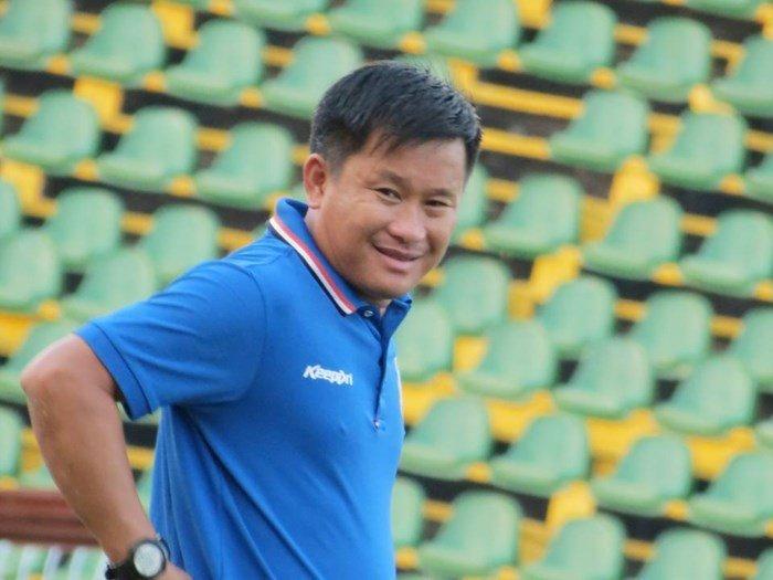 HLV Đinh Hồng Vinh đang mang đến sức sống mới cho bóng đá Tây đô.