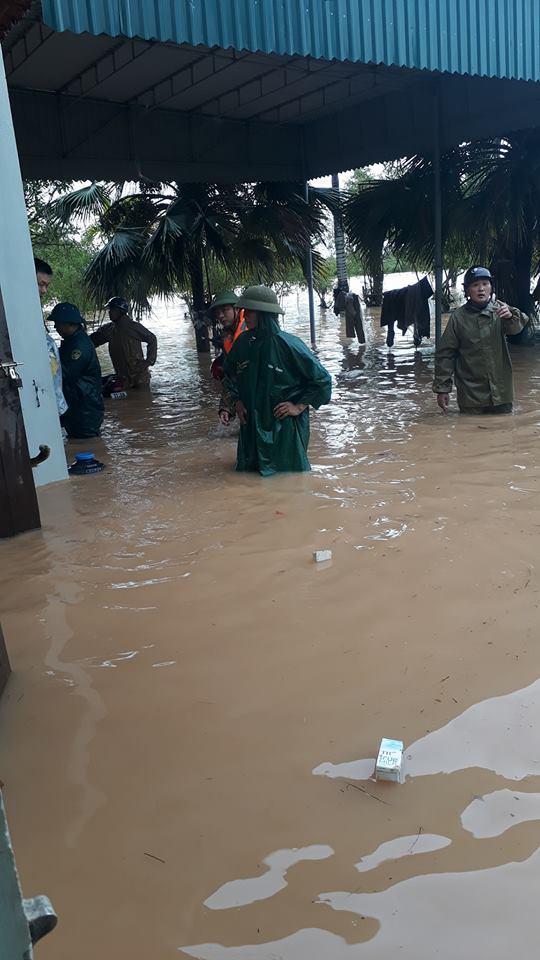 Mong rằng bà con luôn vững lòng để sớm khắc phục được hậu quả sau trận mưa lũ