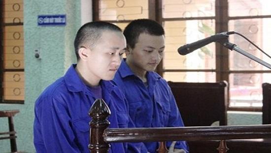 Hai bị cáo trong vụ án mua bán người tại phiên xét xử