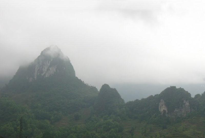 Đèo Liêu là một trong những con đèo có cung đường nguy hiểm nhất nhì Đông Bắc. Ảnh: Đất Nước Tôi.
